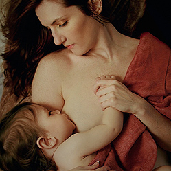 Mother & child portrait photography sessions. Capturing the bond of Motherhood.