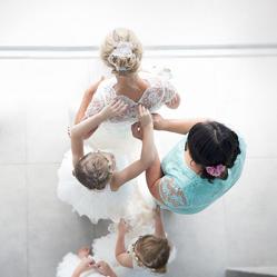 Award-winning wedding photography. Dramatic creatives & precious moments.